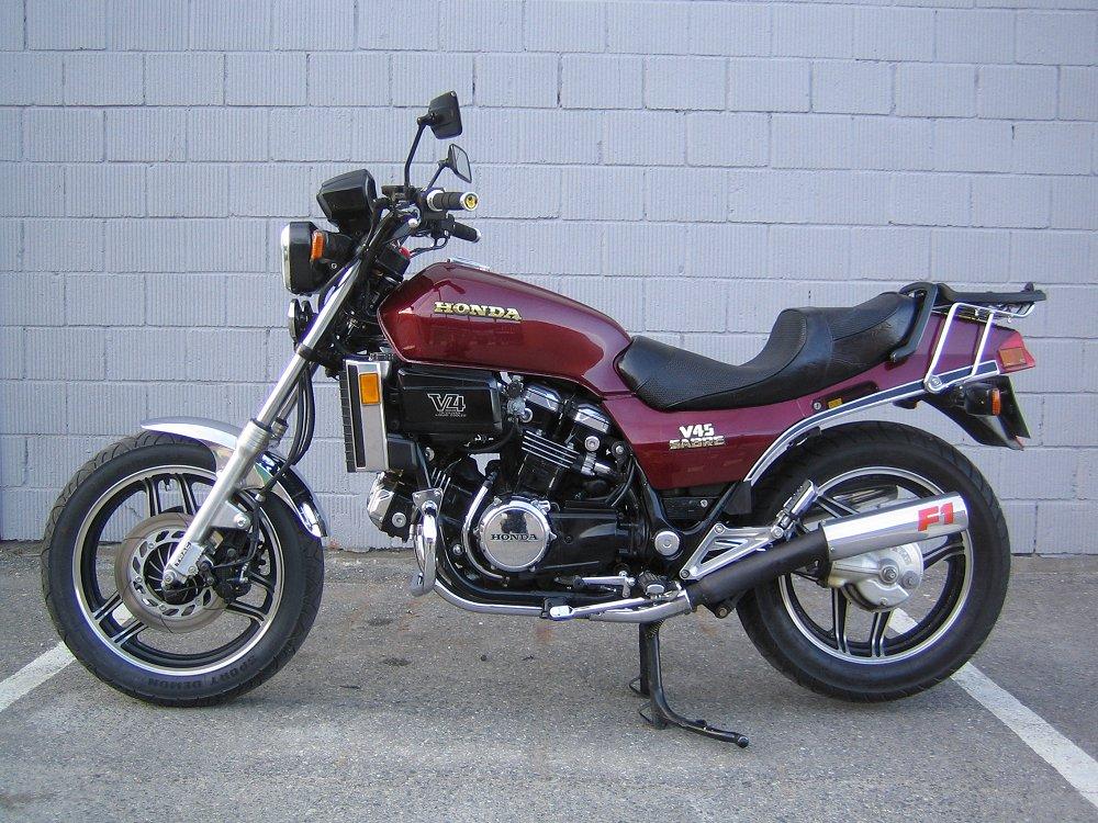 Honda-V4.com - V45 Sabre pictures